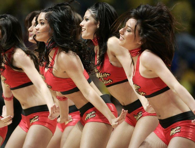 pom-pom-girls-final-four-d-euroligue_diaporama.jpg